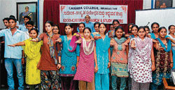Students of Canara college taking a pledge to fight against Endosulfan in Mangalore on Tuesday.