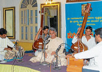 Pandit Nagaraj Havaldar along with Virabhadriah Hiremath (Harmonium) and Ramesh Dhannur(Tabla) performing at Prasanna Sita Rama mandira, in Mysore.