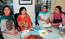 Tarla Dalal (Second from left) with members of Jayceerette of JCI Mysore Royal City, in Mysore on Sunday. Dh Photo