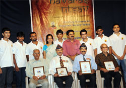 Wing Commander D R Belle, Brigadier I N Rai, Colonel N S Bhandari and Lt Commander G P Mascarenhas were felicitated by Mangalore City Corporation Commissioner Dr K N                           Vijayprakash on the commemoration of Kargil Vijay Divas organised by Centre for                             Integrated Learning (CIL) in Mangalore on Tuesday. DH Photo