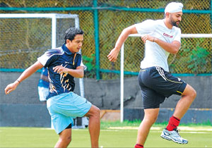 Limbering up: Bharat Chettri (left) and Sandeep Singh during a training session at SAI on Monday. DH Photo