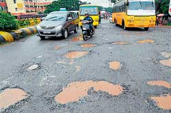 The deplorable condition of NH 66 stretch between Pumpwell to Thokkotu in Mangalore.