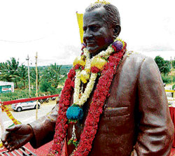 A seven-foot tall statue of D Devaraj Urs, weighing 930 kg was unveiled in Hunsur on his 96th birth anniversary on  Saturday. DH photo