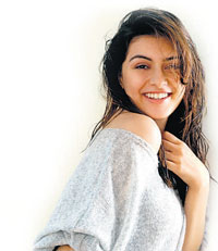 Enjoying: Hansika Motwani