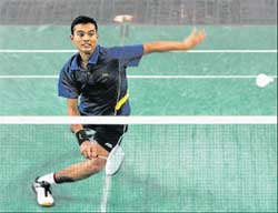 In control Abhishek Yeligar of K2 Smashers returns during his win against Phalgun BS of HB Challengers. DH PHOTO