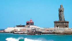 attractions The statue of Thiruvalluvar, near Vivekananda Rock