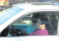 Tamil Nadu Chief Minister J Jayalalitha on her way from HAL airport to the Parappana Agrahara Central Jail court in Bangalore on Tuesday. DH photo