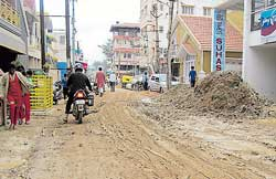 Roads in a mess after drainage works in Shastrinagar, HAL, Annasandra Palya and other areas of Bangalore East. dh photos