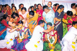 Made for each other: Couples tie knots at the 10th edition of Swayamwara 2010.