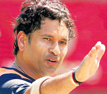 cynosure: Sachin Tendulkar makes a point during a practice session at the WACA on  Wednesday in preparation for the third Test against Australia starting on Friday. AP