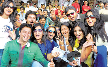 Excited: Sandalwood actors cheering aloud. DH Photos by S k dinesh