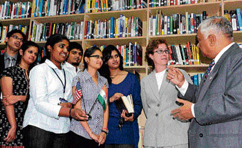 US Consul General Jennifer McIntyre and Bharatiya Vidya Bhavan chairperson N Ramanuja interact with students at the new American Corner at the BVB on Monday.