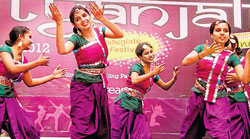 Graceful : A performance in the 'eastern group dance' category.