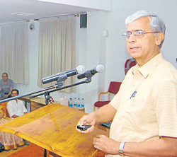 INauguration:  Karuna Trust and Vivekananda Girijana Kalyana Kendra (VGKK) secretary Dr H Sudarshan delivers the inaugural address at a programme organised by  Dr Vijayalakshmi  Basavaraj Charitable Trust in Mysore on Monday. DH photo