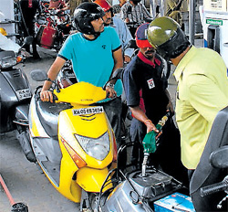 Petrol bunks' one-shift threat fizzles out