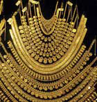Gold prices fall for 3rd day, trigger hopes of festival buying