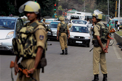 ISI 'linking' to Maoists; Security agencies worried