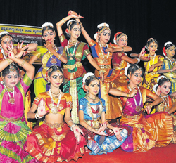 Talent: Participants of classical dance event at the two day Zonal level (Zone 3) Kalaprathibotsava 2012-13 in Mysore on Monday. dh photo