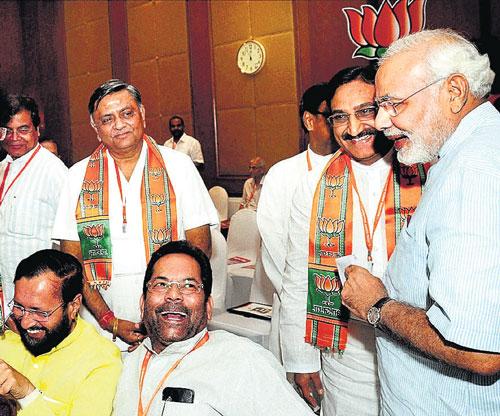 Rift in BJP delays talks on Modi role in poll campaign