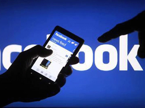 Too much Facebook may damage your relationship
