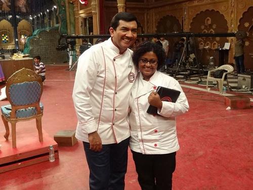 Master Chef finalists pray for success at Ajmer Sharif dargah