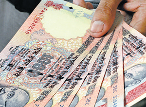 Rupee struggles, officials waffle, markets fret