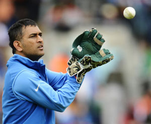 There is no added pressure on us: Dhoni