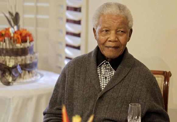 Nelson Mandela in hospital 'prison': bodyguard
