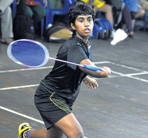 Nikith storms into quarters