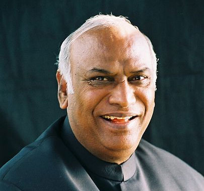 Kharge made Railways Minister, eight inducted as Ministers