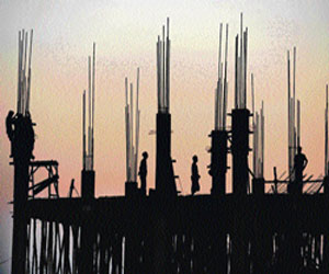 Home prices inflated; aggressive lending dangerous: Parekh