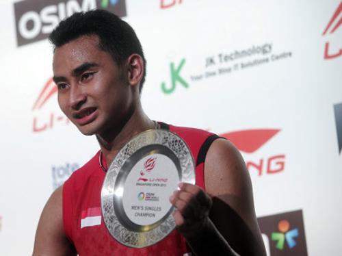 Indonesian shuttler Sugiarto wins Singapore Open