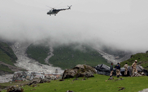 Rains halt rescue operations in Kedarnath