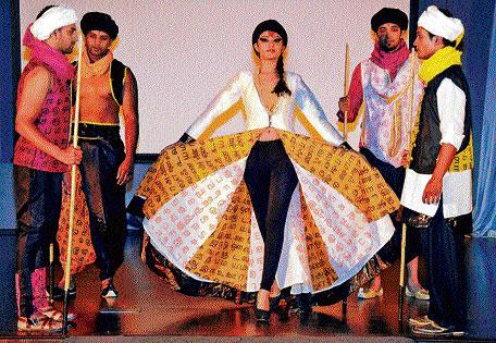 Dazzling Design Variety Marks Metrolife Fashion Show Deccan Herald