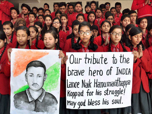 Leaders, Armed Forces pay tribute to Siachen hero
