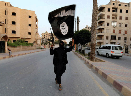 ISIS militants shave beards, dress as women to escape Ramadi