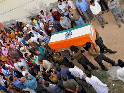 Last rites of two Karnataka soldiers performed