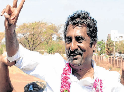 Cong candidate makes comeback with huge win