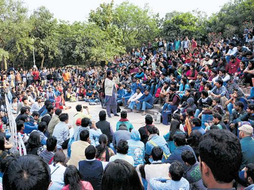 Intellectuals decry arrest of JNUSU president