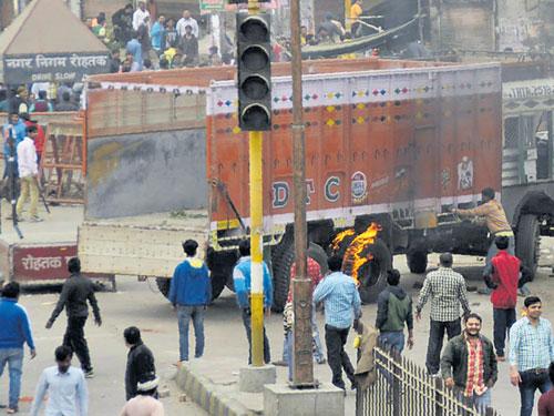 Jat stir: Fresh violence breaks out in Haryana, death toll 16