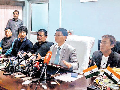 Ahead of today's floor test, 9 Arunachal Cong MLAs join Pul's camp