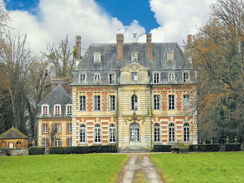A French chateau Picasso fell for