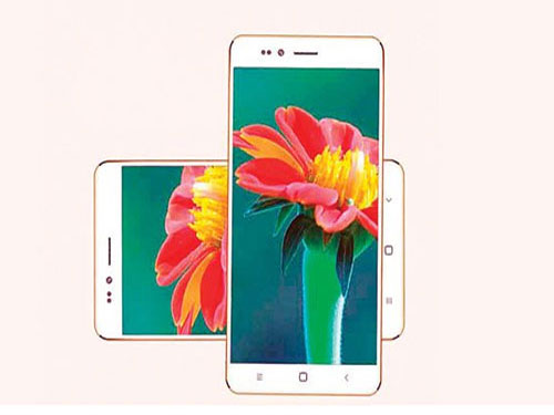 'Freedom 251' smartphone scheme a fraud, says Cong MP
