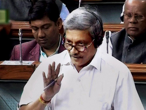 IAF to induct 8 squadrons 'Tejas' in 8 years: Parrikar