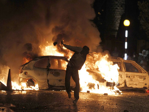 Baghdad twin bombings kill at least 59