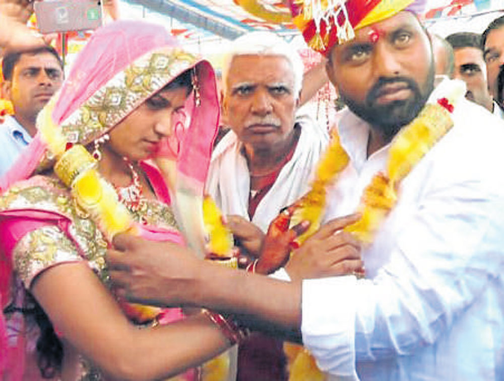 Gujjar man ties knot while on hunger strike at protest venue
