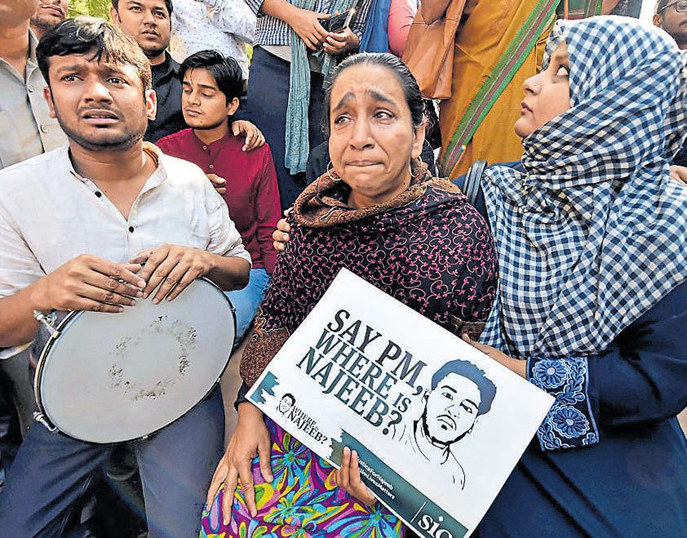 Citizens march against ABVP's role in DU row