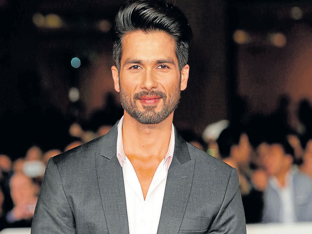 I am sure about myself and don't feel insecure: Shahid Kapoor