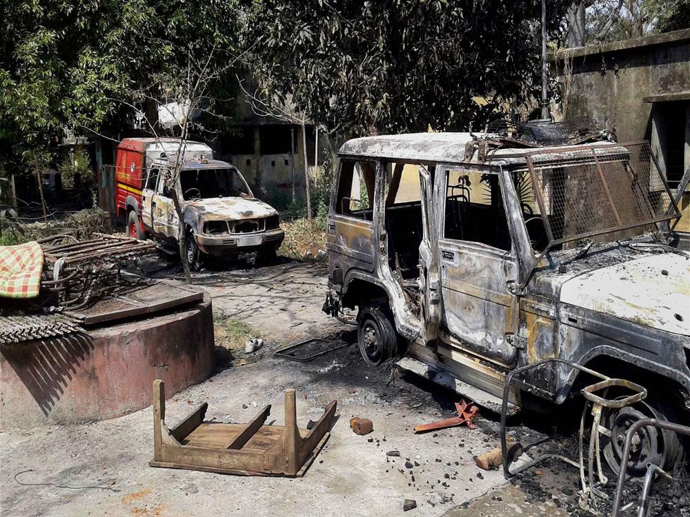 Man dies in custody, locals torch police station