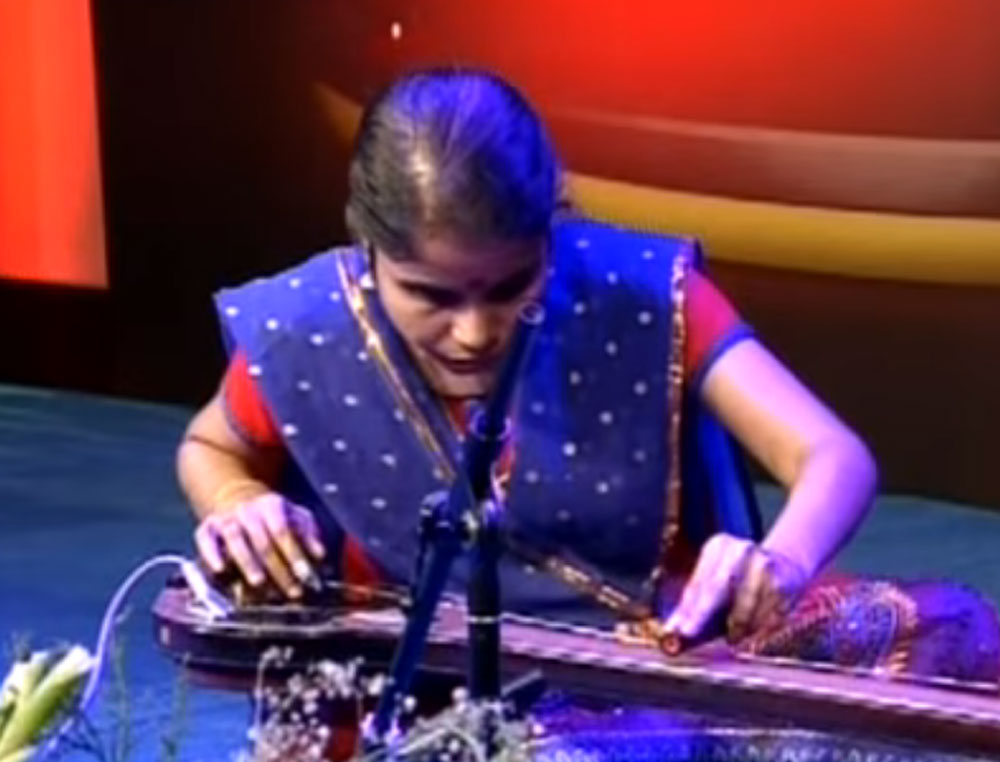 Blind singer creates record by playing Gayathriveena for 5 hrs